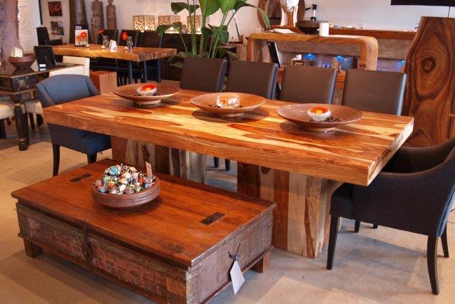 Pr ner le m lange de styles marie france l ger design for Table cuisine bois exotique