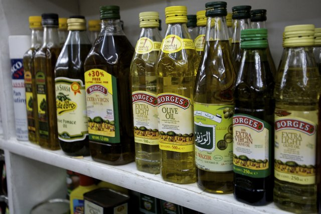 Les personnes de 65 ans et plus friandes d'huile d'olive courent  moins de... (Photo: Bloomberg News)