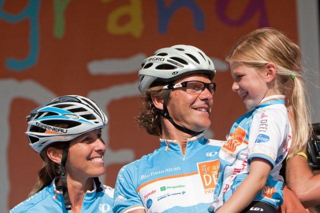 Pierre Lavoie, sa conjointe Lynne Routhier et leur... (Photo: Hugo-Sébastien Aubert, La Presse)