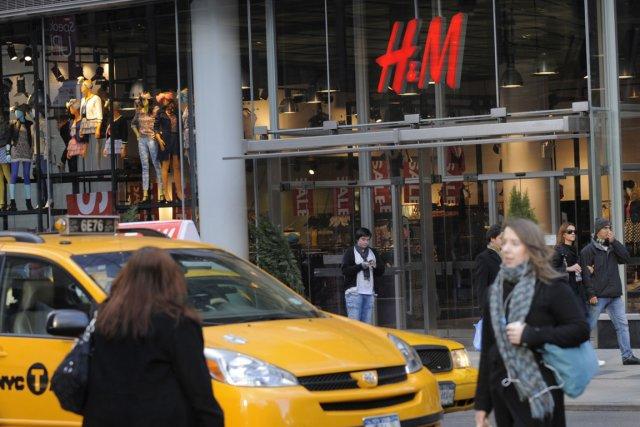 Versace chez h m en novembre mode - Trouver un magasin h m ...