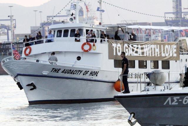Le bateau américain Audacity of Hope avait pris... (Photo: Darko Bandic, AP)