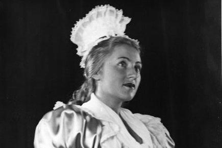 Pierrette Alarie au Monument national en 1947.... (Archives La Presse)