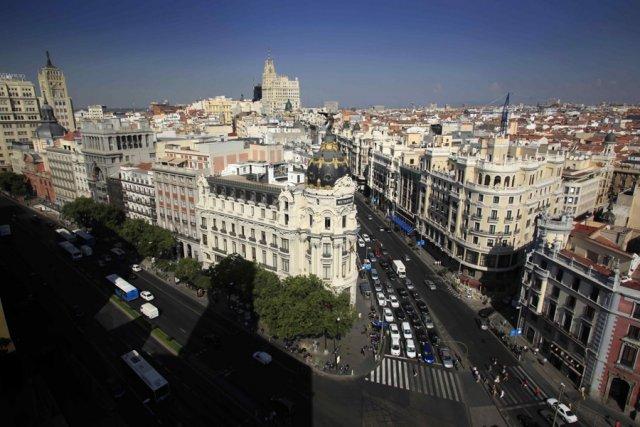 Infos sur la ville de madrid arts et voyages for Piscine madrid