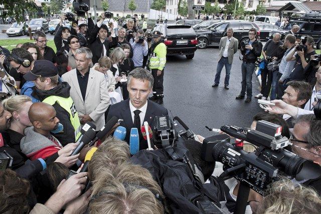 Le  premier ministre Jens Stoltenberg réagit suite... (Photo: AFP)