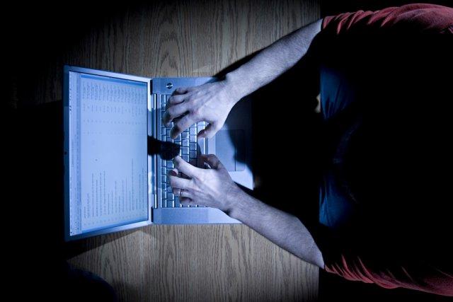 La police de Montréal a arrêté le Montréalais qui pourchassait sur l'internet... (Photo: David Boily, archives La Presse)