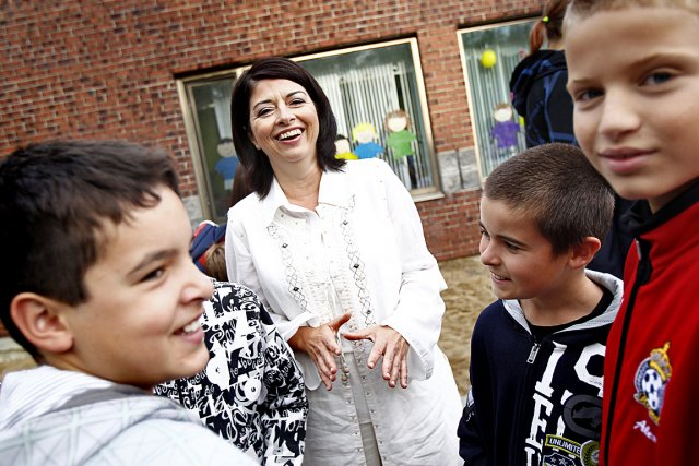 La ministre de l'Éducation, Line Beauchamp, semble s'amuser... (Le Soleil, Yan Doublet)
