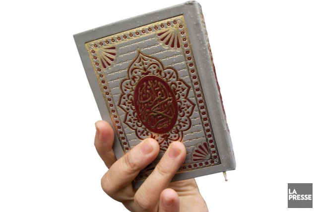 Un exemplaire du Coran... (Photo: Robert Skinner, La Presse)