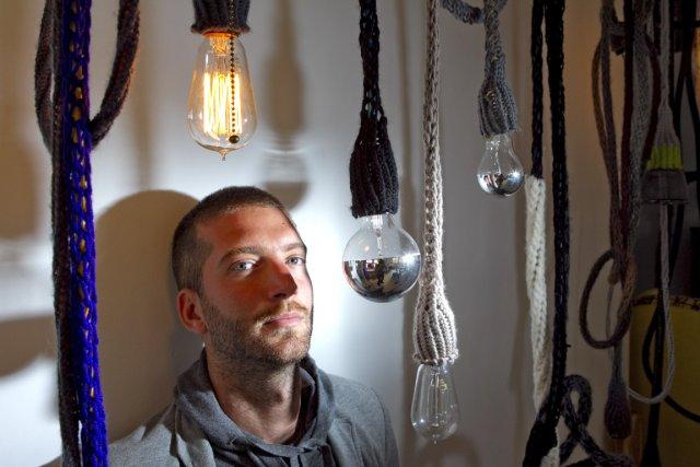 Le designer montréalais Mikaël Charpin, d'esco atelier design,... (Photo Alain Roberge, La Presse)