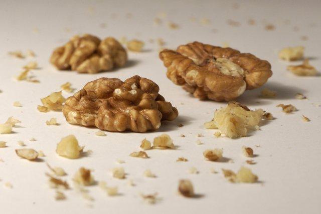 Les  messieurs qui envisagent de devenir papas devraient manger des   noix, ... (Photo: Alain Roberge, La Presse)