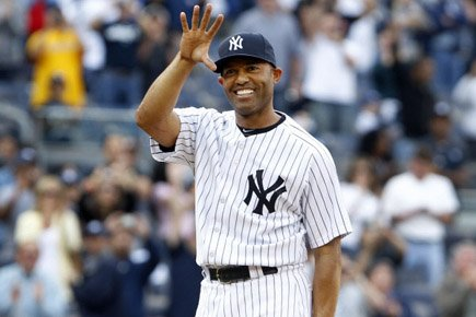 Mariano Rivera salue la foule après le match.... (Photo: Reuters)