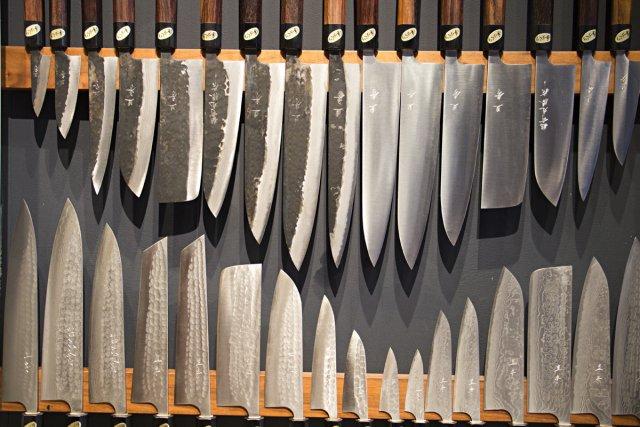 couteaux: les 5 indispensables | violaine ballivy | cuisine - Meilleur Couteau De Cuisine Du Monde