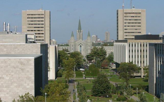 L'Université Laval à Québec....