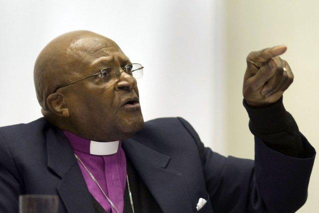 Huit prix Nobel de la Paix, dont l'archevêque... (Photo: Rodger Bosch, AFP)