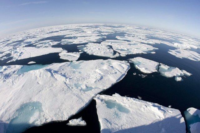 Cette année, la banquise qui flotte sur l'océan... (Photo: Jonathan Hayward, PC)
