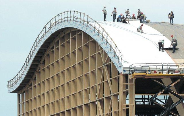 L'armature de bois du tout nouveau Stade TELUS-Université... (Photothèque Le Soleil)