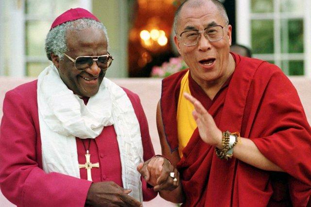 Le prix Nobel de la paix sud-africain Desmond Tutu, qui avait invité le ... (Photo: Mike Hutchings, Reuters)