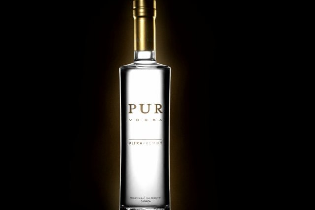 pur vodka l 39 une des meilleures vodkas au monde karyne duplessis pich collaboration sp ciale. Black Bedroom Furniture Sets. Home Design Ideas