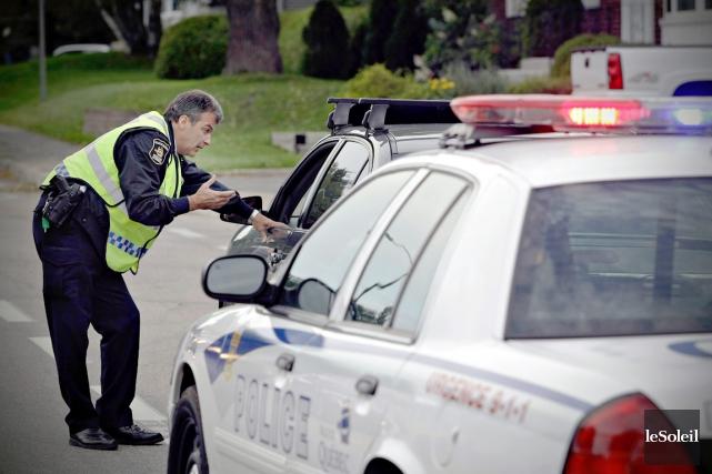 La police de Québec observe, comme les autres... (Photothèque Le Soleil)