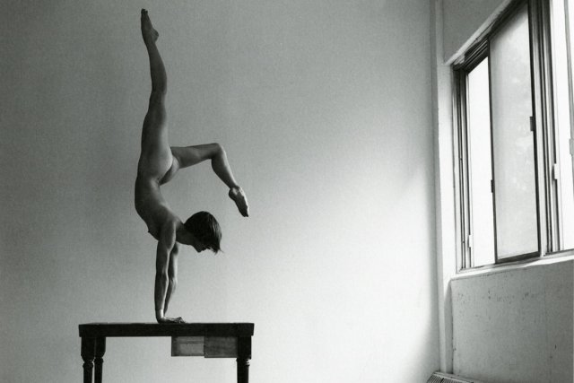 L'équilibriste québécoise Évelyne Laforest fait partie des artistes... (Photo fournie par l'éditeur)