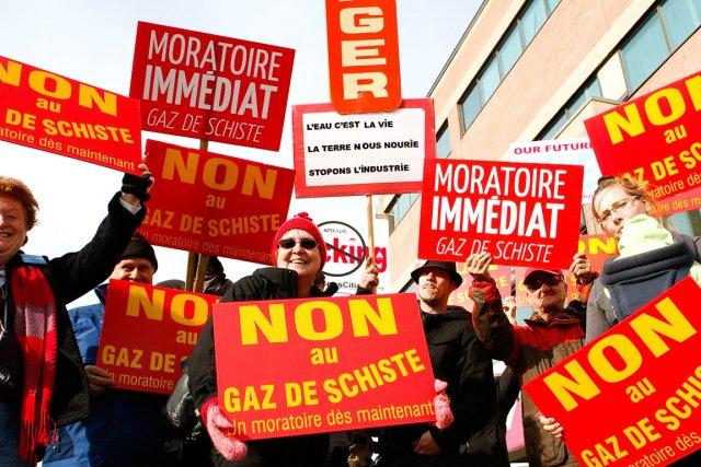 Jeudi, à Québec, une quarantaine de membres des... (Le Soleil, Caroline Grégoire)