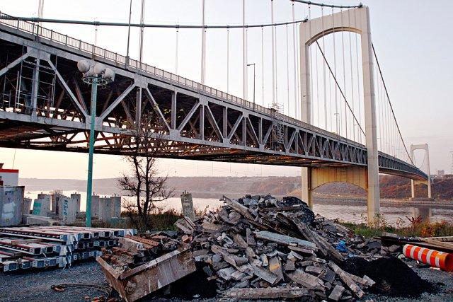 Les ponts pierre laporte et de l 39 le d 39 orl ans sous haute for Haute zone gatineau