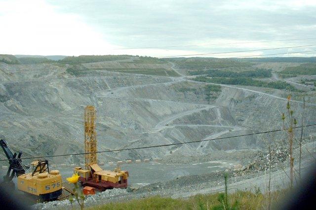 Alors que la relance de la mine Jeffrey d'Asbestos n'est pas encore confirmée,... (Le Soleil, Ian Bussières)