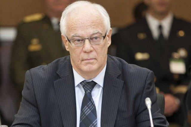 Le ministre de la Sécurité publique, Robert Dutil.... (Photo La Presse Canadienne)