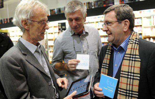 Les auteurs Jean-Yves Fréchette et Jean-Michel Le Blanc,... (Le Soleil, Erick Labbé)