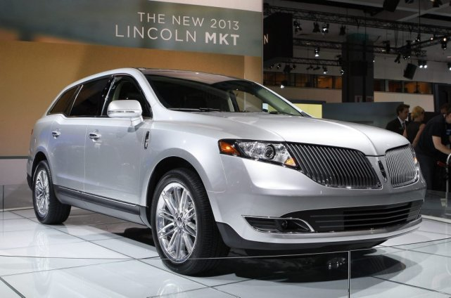 Le Lincoln MKT 2103....