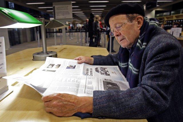 Les rangées de sièges et de bureaux de... (Photo: Robert Mailloux, La Presse)