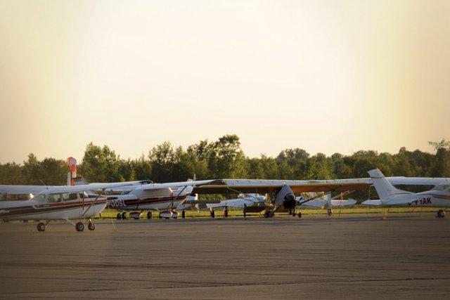 En attirant des transporteurs commerciaux tels qu'Air Canada... (photo archives La Voix de l'Est)