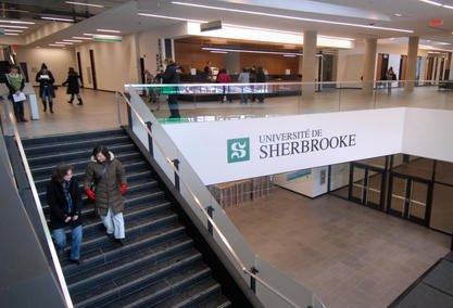 D localisation l 39 udes et drummondville vis es par un for Piscine universite sherbrooke