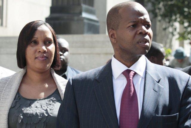 Nasfissatou Diallo et l'un de ses avocats Kenneth... (Photo: Brendan McDermid, Reuters)