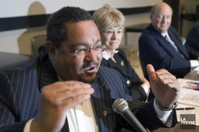 Arthur T. Porter lors d'une conférence de presse... (Archives La Presse)