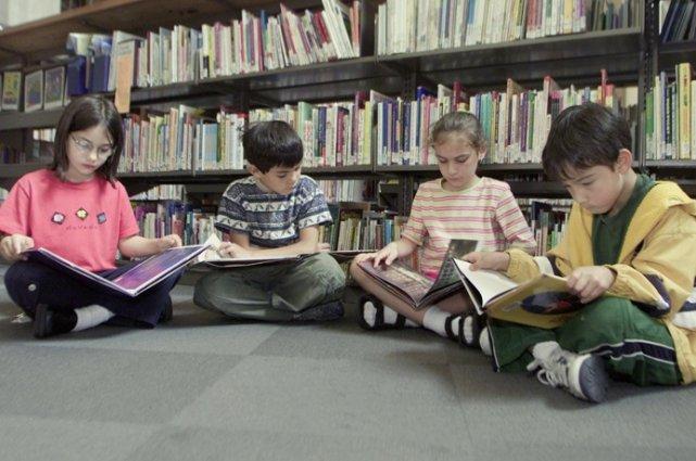 La lecture a de nombreux bienfaits, notamment au chapitre de l'acquisition des...