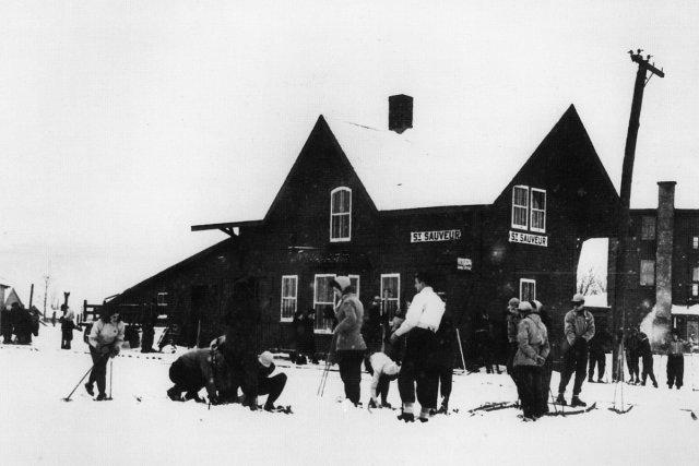 Le ski de fond est populaire depuis des... (Photo fournie par le Musée du ski des Laurentides)