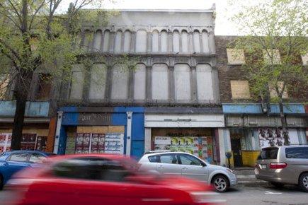 Abandonnés depuis deux ans, sans chauffage, les édifices... (Photo: François Roy, La Presse)