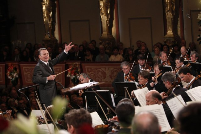 Mariss Jansons dirigeant le concert du Nouvel An... (Photo: archives Reuters)