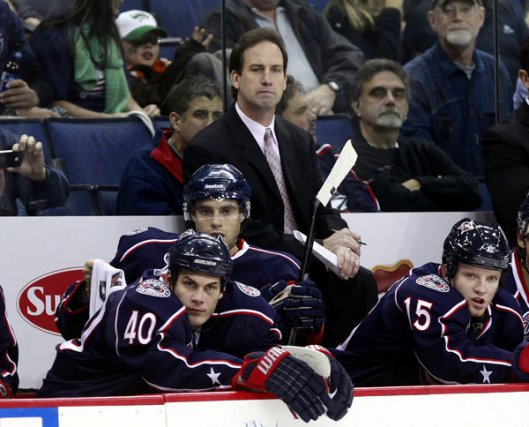 Scott Arniel, l'entraîneur-chef des Blue Jackets, congédié dimanche... (Associated Press)