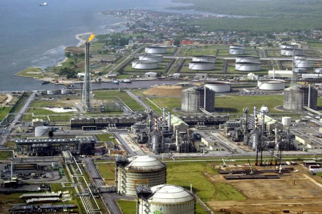 Vue aérienne du plus important terminal pétrolier et... (ARCHIVES AFP)