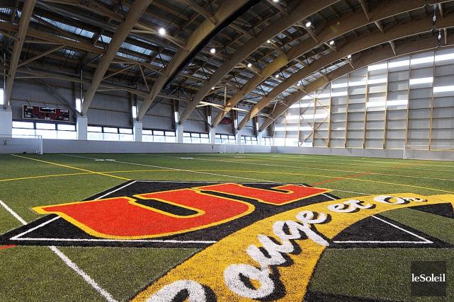 C'est au nouveau stade couvert de l'Université Laval... (Le Soleil, Erick Labbé)