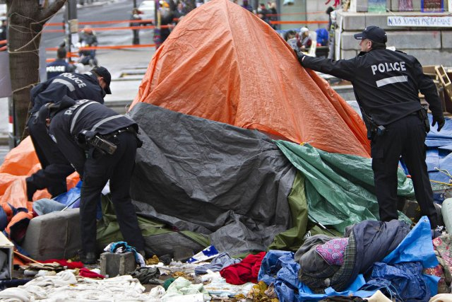 Les indignés ont été expulsés du square Victoria... (Photo: Patrick Sanfaçon, archives La Presse)