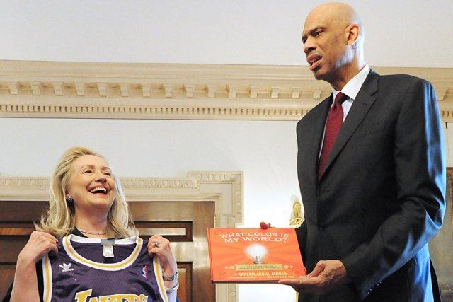 La secrétaire d'État américaine Hillary Clinton et Kareem... (Photo: AFP)