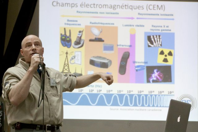 Stéphane Bélainsky, technicien en électromagnétique, a calculé la... (Photo: Ninon Pednault, La Presse)