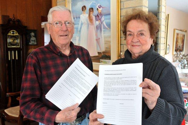 Gaston Roy et Solange Rivard lancent une pétition... (Photo: Stéphane Lessard)
