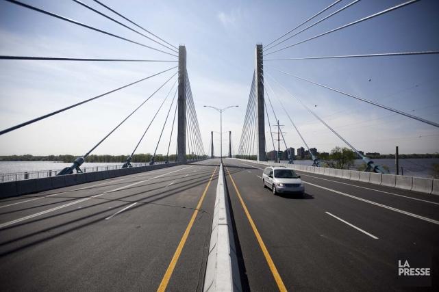 Le pontOlivier-Charbonneau de l'autoroute 25, entre Montréal et... (Photo: Marco Campanozzi, Archives La Presse)