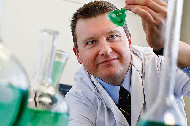 Thierry Ollevier est directeur du laboratoire de chimie... (Le Soleil, Yan Doublet)