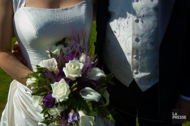 Même si le mariage est avant tout une question d'amour, il est forcément aussi... (Photos.com)