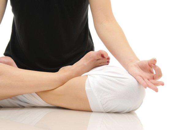 Les voyageurs stressés pourront désormais se relaxer en faisant un peu  de yoga... (Photos.com)