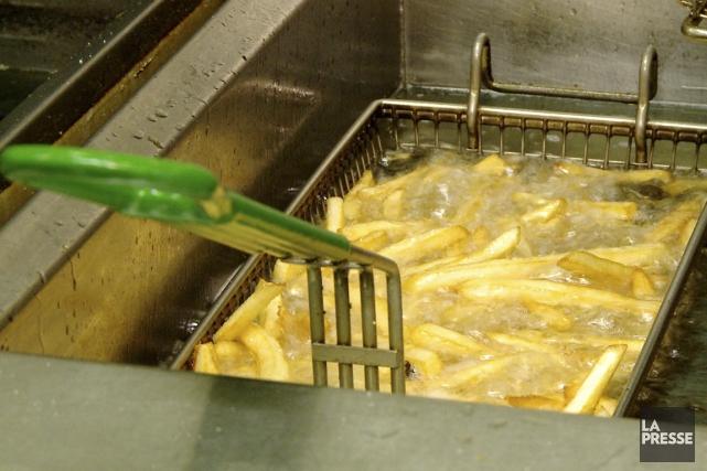 De nombreux aliments produits à l'échelle industrielle comprennent... (Photo Martin Leblanc, archives La Presse)